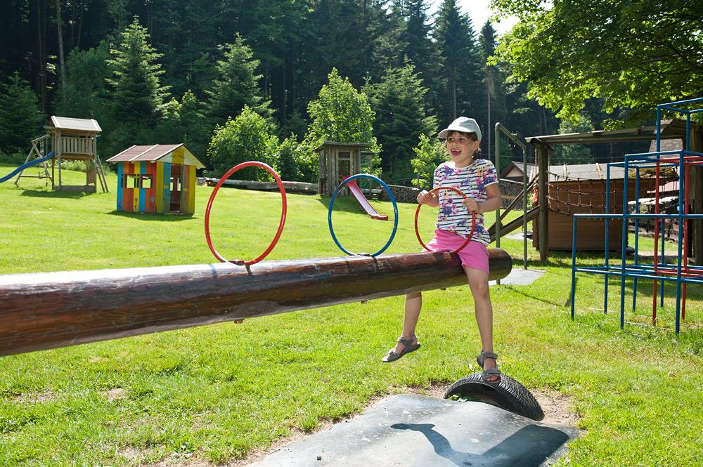 Kinderspielplatz Im Nordschwarzwald Waldgasthaus Kohlbergwiese